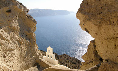 SANTORINI-MEGALOCHORI-CAR-RENTAL