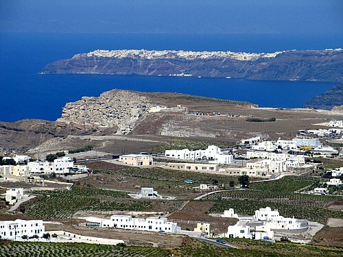 SANTORINI-PYRGOS-CAR-RENTAL