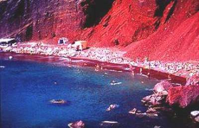 SANTORINI-VOLCANIC-BEACHES